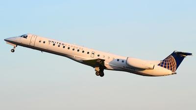 A picture of N13992 - Embraer ERJ145LR - United Airlines - © Scott Pindera
