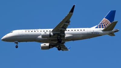 A picture of N746YX - Embraer E175LR - United Airlines - © Nelson Mejia