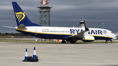 A picture of EIGXI - Boeing 7378AS - Ryanair - © David Oates