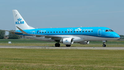 A picture of PHEXU - Embraer E175STD - KLM - © Freek Blokzijl