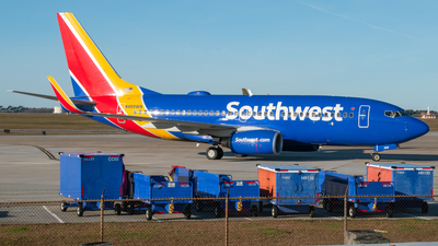 A picture of N489WN - Boeing 7377H4 - Southwest Airlines - © Devin | Charleston.Spotter