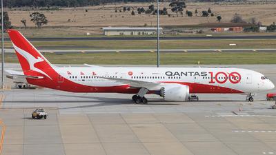 A picture of VHZNJ - Boeing 7879 Dreamliner - Qantas - © Chris Adams