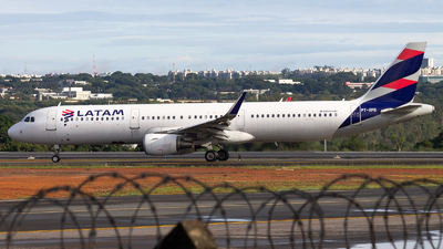 A picture of PTXPB - Airbus A321211 - LATAM Airlines - © DeltaFox Spotter