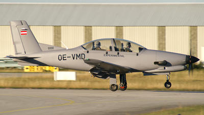 OE-VMD - Diamond Aircraft DART-450 - Diamond Aircraft Industries