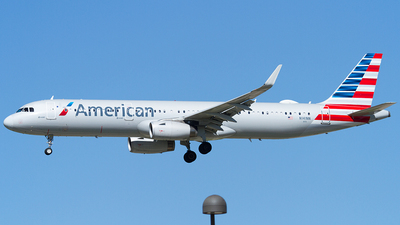 A picture of N141NN - Airbus A321231 - American Airlines - © Eric Siebeneicher