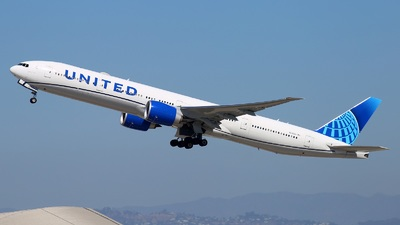 A picture of N2352U - Boeing 777300(ER) - United Airlines - © Yi-Fan Wu