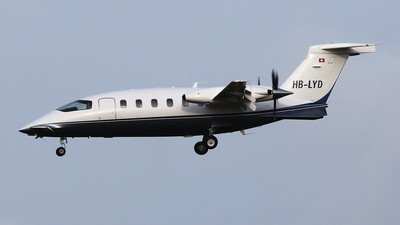 A picture of HBLYD - Piaggio P180 Avanti - [1060] - © BaszB