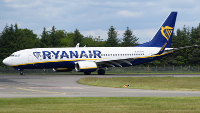 A picture of 9HQAR - Boeing 7378AS - Ryanair - © Ian McGregor