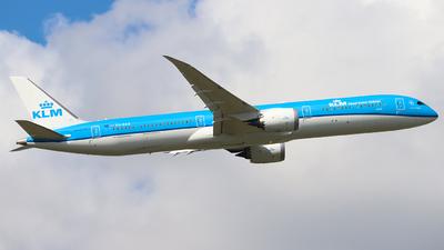 A picture of PHBKG - Boeing 78710 Dreamliner - KLM - © Joost Alexander