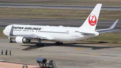 A picture of JA616J - Boeing 767346(ER) - Japan Airlines - © mobfeng
