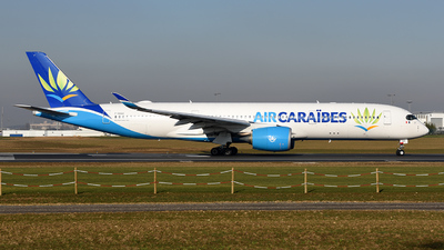 A picture of FHHAV - Airbus A350941 - Air Caraibes - © bruno muthelet