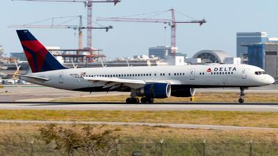 A picture of N649DL - Boeing 757232 - Delta Air Lines - © Luis Bastardo