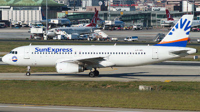 LY-VEI - Airbus A320-233 - SunExpress (Avion Express)