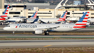 A picture of N418AN - Airbus A321253NX - American Airlines - © Rocky Wang