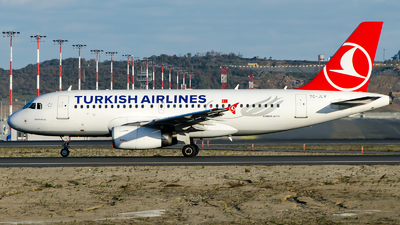 A picture of TCJLV - Airbus A319132 - Turkish Airlines - © Alp AKBOSTANCI