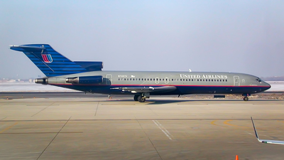 N7467U - Boeing 727-222(Adv) - United Airlines