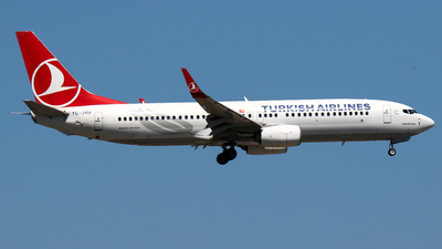 A picture of TCJVU - Boeing 7378F2 - Turkish Airlines - © Ceyhun Özbesler