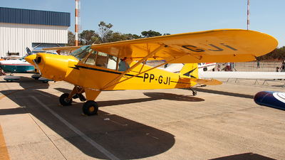 PP-GJI - Piper PA-18 Super Cub - Private