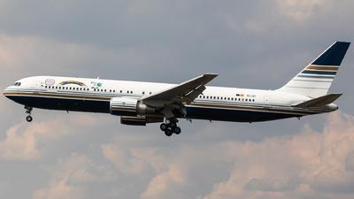EC-LZO - Boeing 767-35D(ER) - Privilege Style