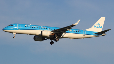 PH-EZC - Embraer 190-100STD - KLM Cityhopper
