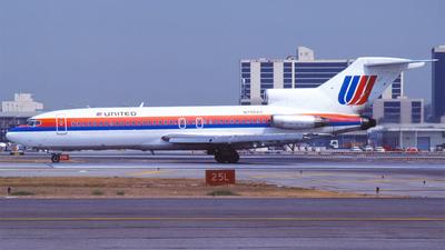 N7002U - Boeing 727-22 - United Airlines