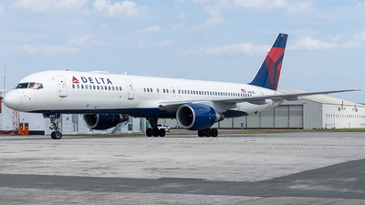 A picture of N655DL - Boeing 757232 - Delta Air Lines - © YANBO