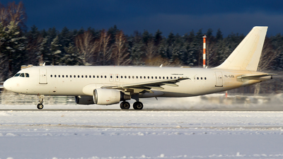 YL-LCL - Airbus A320-214 - SmartLynx Airlines