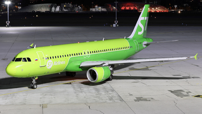 VP-BCS - Airbus A320-214 - S7 Airlines