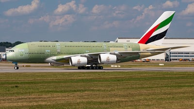 A picture of FWWSS - Airbus A380 - Airbus - © Niclas Rebbelmund