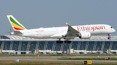 A picture of ETAUA - Airbus A350941 - Ethiopian Airlines - © EVAesen29