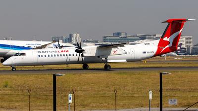 A picture of VHQOV - De Havilland Canada Dash 8400 - QantasLink - © James Rowson