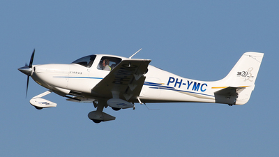 A picture of PHYMC - Cirrus SR20 - [1539] - © BaszB