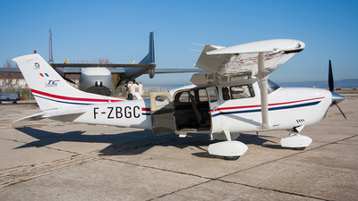 F-ZBGC - Cessna T206H Stationair TC - France - Customs