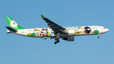 A picture of B16331 - Airbus A330302 - EVA Air - © Smiling PVG