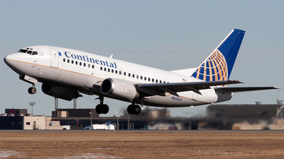 N62631 - Boeing 737-524 - Continental Airlines
