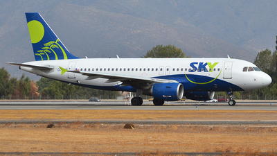 CC-AHE - Airbus A319-111 - Sky Airline