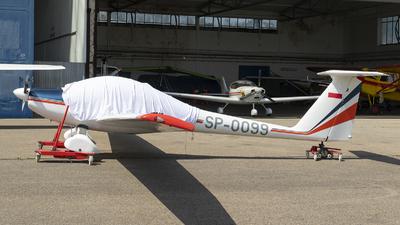 SP-0099 - Diamond Aircraft HK36 Super Dimona - Private