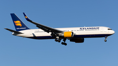 A picture of TFISN - Boeing 767319(ER) - Icelandair - © Cary Liao