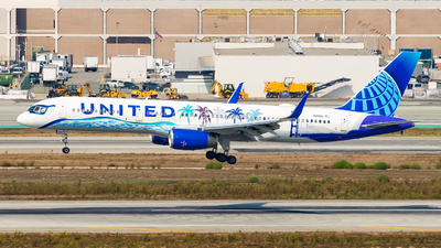 N14106 - Boeing 757-224 - United Airlines
