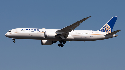 A picture of N24973 - Boeing 7879 Dreamliner - United Airlines - © Lazy Clutch