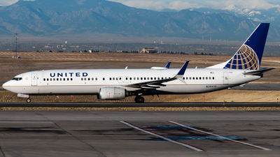 A picture of N39415 - Boeing 737924(ER) - United Airlines - © Michael Place