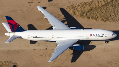 A picture of N860DA - Boeing 777232(ER) - [29951] - © David Lee