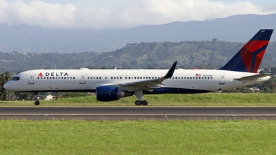 A picture of N537US - Boeing 757251 - Delta Air Lines - © Denis Gonzalez - Costa Rica Spotter