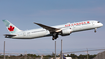 A picture of CFRSI - Boeing 7879 Dreamliner - Air Canada - © Hongyu Wang