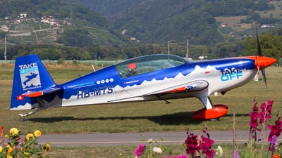 HB-MTS - Extra 300LC - Private