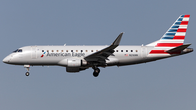 A picture of N216NN - Embraer E175LR - American Airlines - © TOMBARELLI FEDERICO