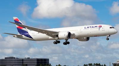 CC-BGD - Boeing 787-9 Dreamliner - LATAM Airlines