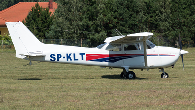 SP-KLT - Cessna 172 Skyhawk - Private