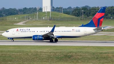 N774DE - Boeing 737-8EH - Delta Air Lines