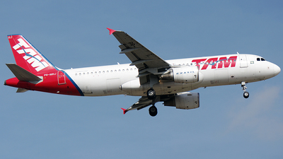 PR-MHJ - Airbus A320-214 - TAM Linhas Aéreas
